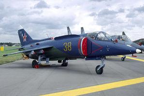 Yakovlev_Yak-38M_at_1992_Farnborough.jpg